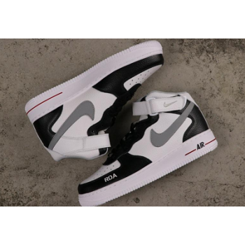 Nike Air Force 1 07 Shoes